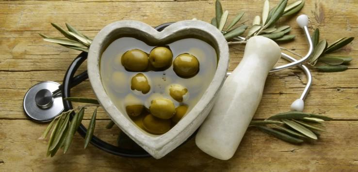 Olecol, olio di oliva, apparato cardiocircolatorio, malattie cardiovascolari, polifenoli, colesterolo, colesterolo hdl, colesterolo ldl, come abbassare il colesterolo