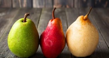 Il fruttosio è uno zucchero semplice che si trova in natura in molti alimenti; la frutta innanzitutto, lo dice il nome stesso, ma anche nel miele e in alcune verdure.